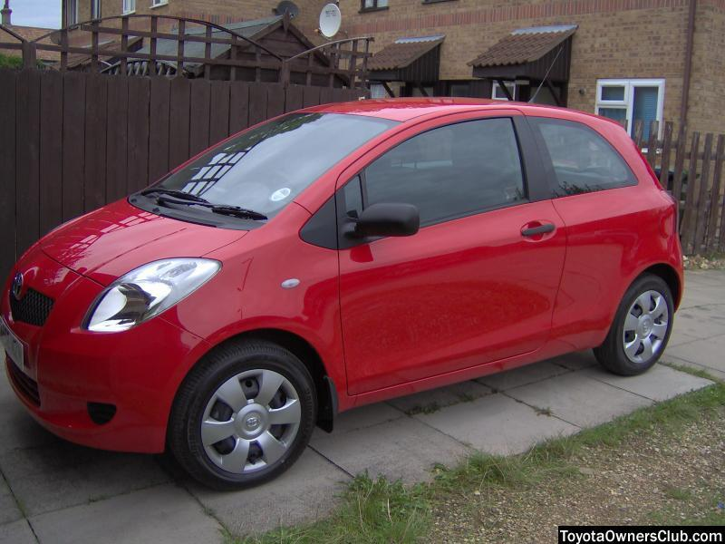 Red Yaris Ion
