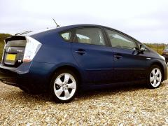 Toyota Prius at the seaside 6