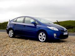 Toyota Prius at the seaside 8