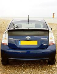 Toyota Prius at the seaside 2