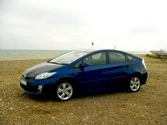 Toyota Prius at the seaside 4
