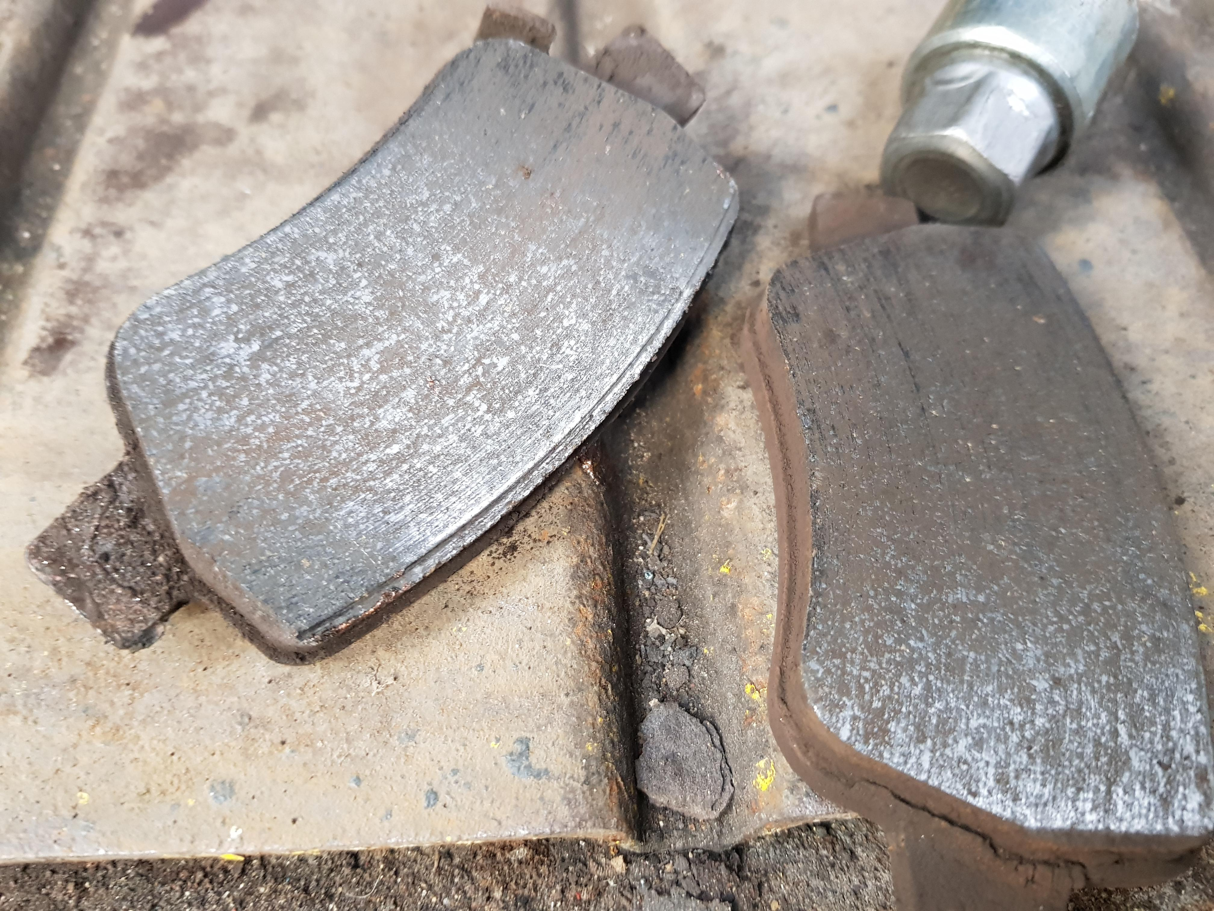 Change Rear Brake Pads Due To One Of The Pads Wear Indicator Making Noise Avensis Club Toyota Owners Club Toyota Forum