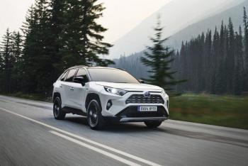 RAV4_5TH_GENERATION-02-1000x667.jpg