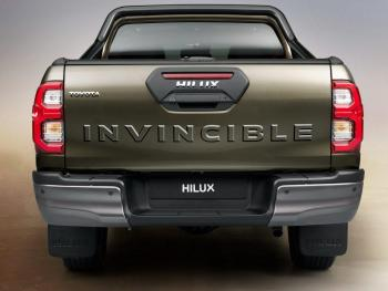 HILUX-detail-rear-full-1000x750.jpg